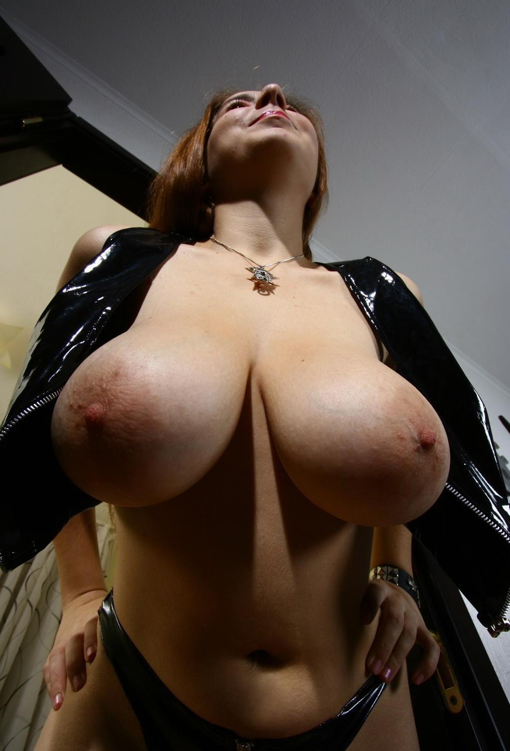eskort i nyköping med mjölkfyllda bröst
